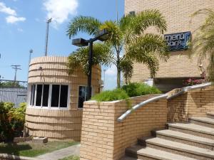 Apartamento En Venta En Maracay - Las Delicias Código FLEX: 19-7602 No.2