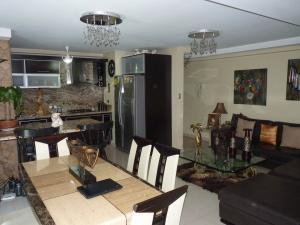 Apartamento En Venta En Maracay - Las Delicias Código FLEX: 19-7602 No.14