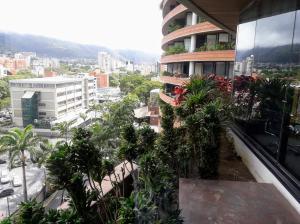 Local Comercial En Alquiler En Caracas En Chacao - Código: 19-7653