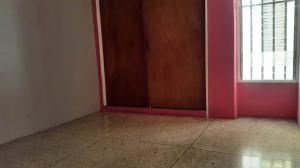 Apartamento En Venta En Maracay - Urbanizacion El Centro Código FLEX: 19-7615 No.16