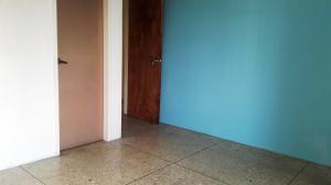 Apartamento En Venta En Maracay - Urbanizacion El Centro Código FLEX: 19-7615 No.13