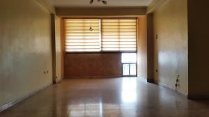 Apartamento En Venta En Maracay - Urbanizacion El Centro Código FLEX: 19-7615 No.3
