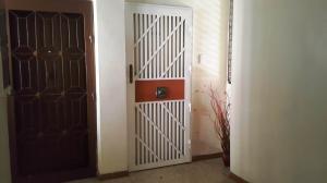 Apartamento En Venta En Maracay - Urbanizacion El Centro Código FLEX: 19-7615 No.1