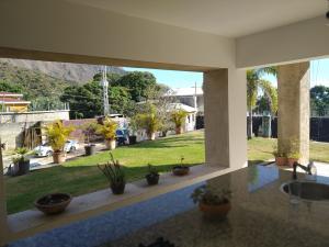 Casa En Venta En Maracay - Lomas de Palmarito Código FLEX: 19-3484 No.9