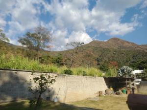 Casa En Venta En Maracay - Lomas de Palmarito Código FLEX: 19-3484 No.12