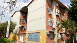Apartamento En Venta En Maracay - Madre Maria Código FLEX: 19-7676 No.1