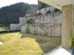 Casa En Venta En Maracay - Lomas de Palmarito Código FLEX: 19-3484 No.14