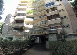 En Venta En Caracas - El Paraiso Código FLEX: 19-7708 No.0