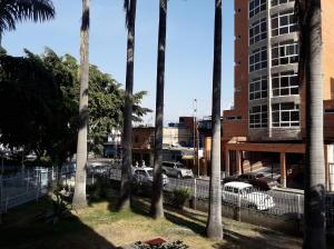 En Venta En Maracay - Avenida Ayacucho Código FLEX: 19-7711 No.13