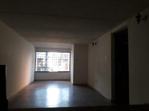 En Venta En Maracay - Avenida Ayacucho Código FLEX: 19-7711 No.4