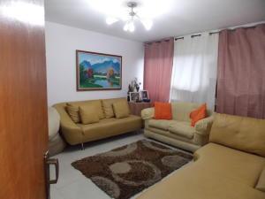 Apartamento En Venta En Caracas - Terrazas del Club Hipico Código FLEX: 19-7805 No.1