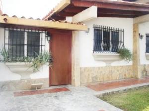 Casa En Venta En Maracay - El Castano (Zona Privada) Código FLEX: 19-7838 No.3