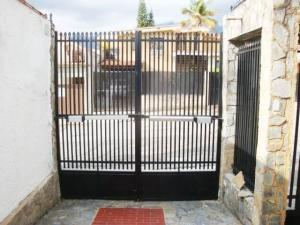 Casa En Venta En Maracay - El Castano (Zona Privada) Código FLEX: 19-7838 No.8
