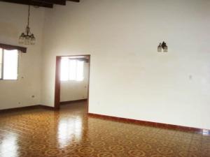Casa En Venta En Maracay - El Castano (Zona Privada) Código FLEX: 19-7838 No.10