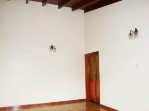 Casa En Venta En Maracay - El Castano (Zona Privada) Código FLEX: 19-7838 No.11