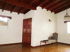 Casa En Venta En Maracay - El Castano (Zona Privada) Código FLEX: 19-7838 No.13