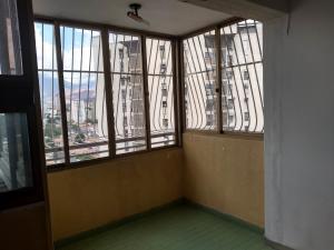 Apartamento En Venta En Maracay - Urbanizacion El Centro Código FLEX: 19-7860 No.14