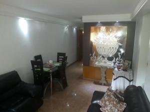 Apartamento En Venta En Caracas - Los Ruices Código FLEX: 19-7908 No.2