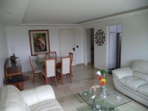 Apartamento En Venta En Caracas - El Rosal Código FLEX: 19-7988 No.6