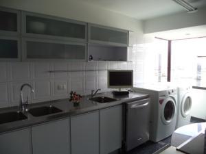 Apartamento En Venta En Caracas - El Rosal Código FLEX: 19-7988 No.11