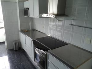 Apartamento En Venta En Caracas - El Rosal Código FLEX: 19-7988 No.14