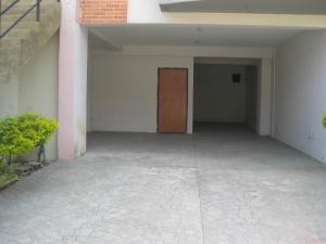 En Venta En Maracay - El Castano (Zona Privada) Código FLEX: 19-8041 No.1