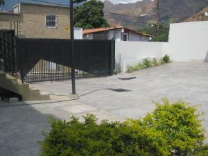 En Venta En Maracay - El Castano (Zona Privada) Código FLEX: 19-8041 No.14