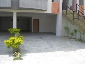 Townhouse En Venta En Maracay - El Castano (Zona Privada) Código FLEX: 19-8044 No.1
