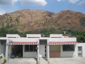 Townhouse En Venta En Maracay - El Castano (Zona Privada) Código FLEX: 19-8044 No.8