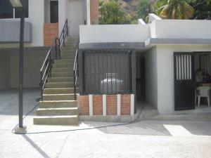 Townhouse En Venta En Maracay - El Castano (Zona Privada) Código FLEX: 19-8044 No.16
