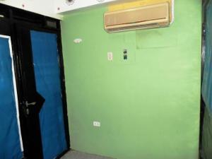 En Alquiler En Maracay - Zona Centro Código FLEX: 19-8051 No.6
