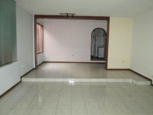 Casa En Venta En Caracas - Altamira Código FLEX: 19-9414 No.3