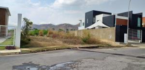 Terreno En Venta En Valencia - Altos de Guataparo Código FLEX: 19-8173 No.4