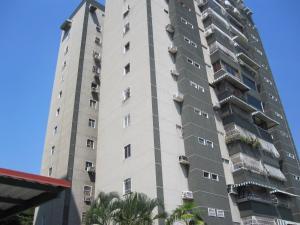 Apartamento En Venta En Maracay - Avenida Bolivar Código FLEX: 19-8330 No.0