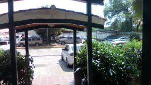 Apartamento En Venta En Maracay - Avenida Bolivar Código FLEX: 19-8330 No.1