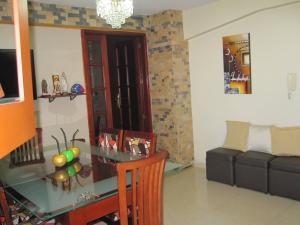 Apartamento En Venta En Maracay - Avenida Bolivar Código FLEX: 19-8330 No.6