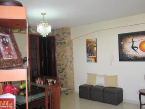 Apartamento En Venta En Maracay - Avenida Bolivar Código FLEX: 19-8330 No.7