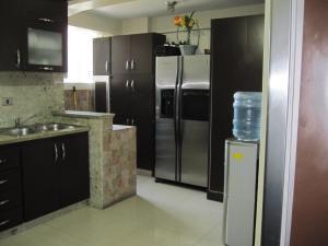 Apartamento En Venta En Maracay - Avenida Bolivar Código FLEX: 19-8330 No.15