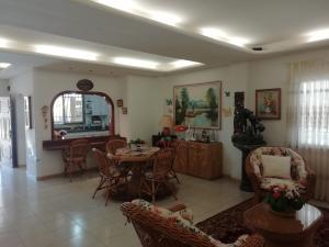 Casa En Venta En Higuerote - Ciubalgue Código FLEX: 19-8560 No.8