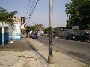 Galpon - Deposito En Alquiler En Maracay - Santa Rosa Código FLEX: 19-8376 No.12