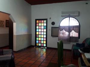 En Venta En Maracay - Barrio Bolivar Código FLEX: 19-8411 No.3