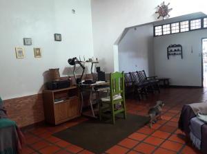 En Venta En Maracay - Barrio Bolivar Código FLEX: 19-8411 No.5
