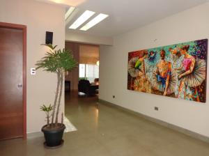 Casa En Venta En Valencia - La Vina Código FLEX: 19-7787 No.3