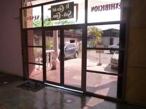 Negocio o Empresa En Venta En Caracas - Los Guayabitos Código FLEX: 19-8654 No.1