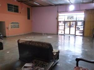 Negocio o Empresa En Venta En Caracas - Los Guayabitos Código FLEX: 19-8654 No.2