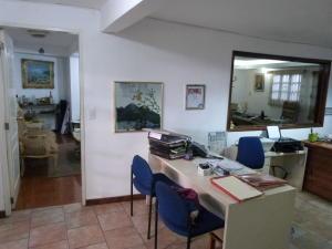 Negocio o Empresa En Venta En Caracas - Los Guayabitos Código FLEX: 19-8654 No.4