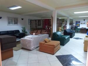Negocio o Empresa En Venta En Caracas - Los Guayabitos Código FLEX: 19-8654 No.11