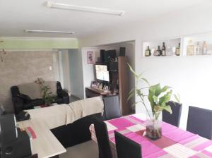 Apartamento En Venta En Maracay - Los Mangos Código FLEX: 19-8716 No.4