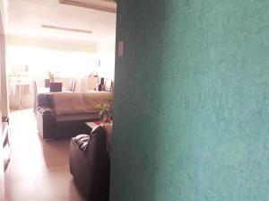 Apartamento En Venta En Maracay - Los Mangos Código FLEX: 19-8716 No.2