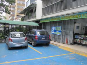 Local Comercial En Alquiler En Caracas - Las Palmas Código FLEX: 19-8534 No.1